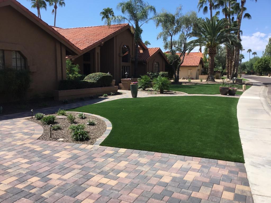 Phoenix artificial grass landscaping.